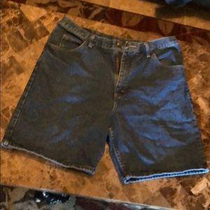 Other - Wrangler Shorts Size 38